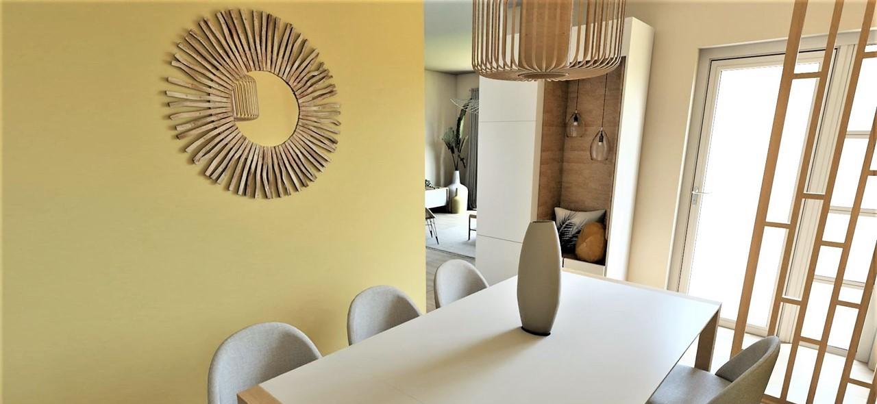 Conception et Décoration Appartement à Marseille - La salle à manger avec claustra et meuble sur mesure blanc et bois clair, par Myll décors , Agence de décoration à Aix en Provence et dans le Var