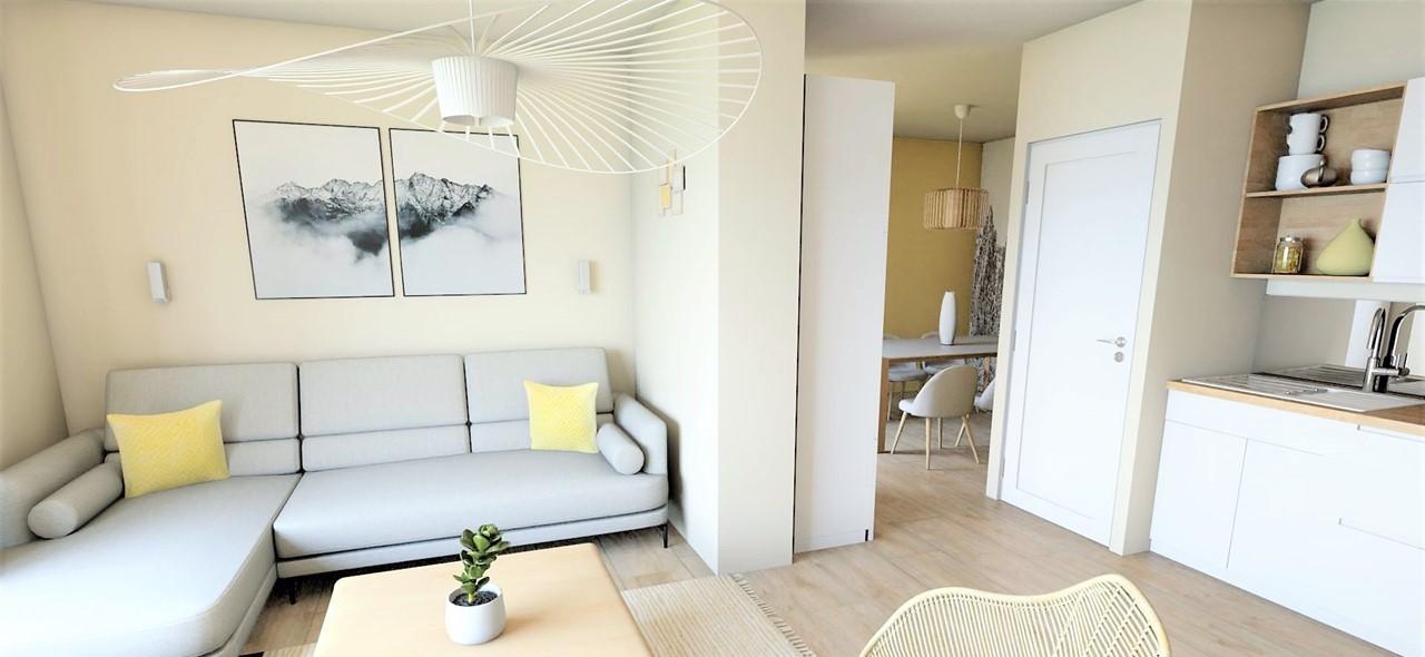 Conception et Décoration Appartement à Marseille -Le salon dans les teintes claires de beige gris et jaunes avec parquet bois clair, par Myll décors , Agence de décoration à Aix en Provence et dans le Var