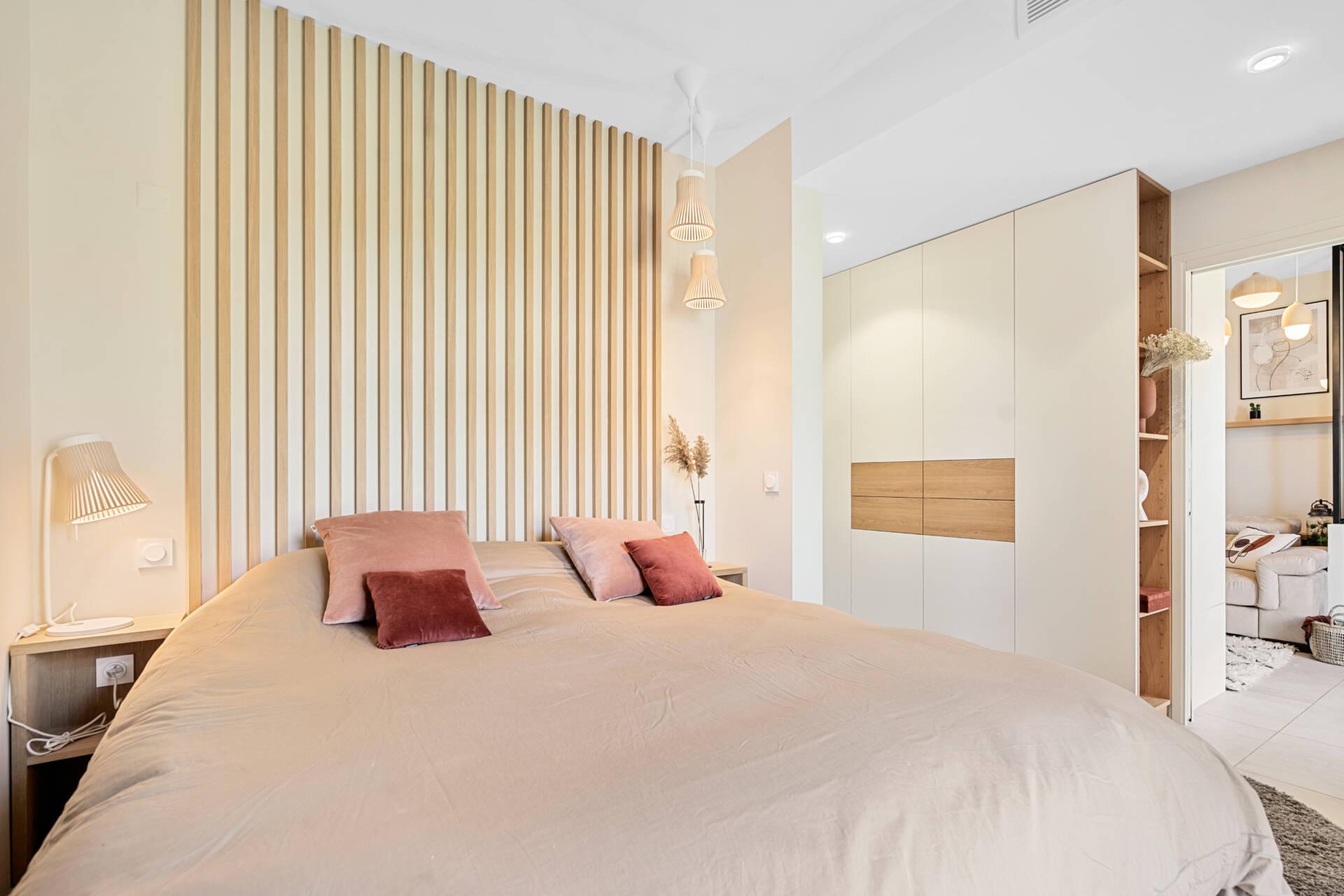 Décoration et agencement Appartement neuf Aix en Provence - Chambre avec lit claustra, par Myll décors , Agence de décoration à Aix en Provence et dans le Var