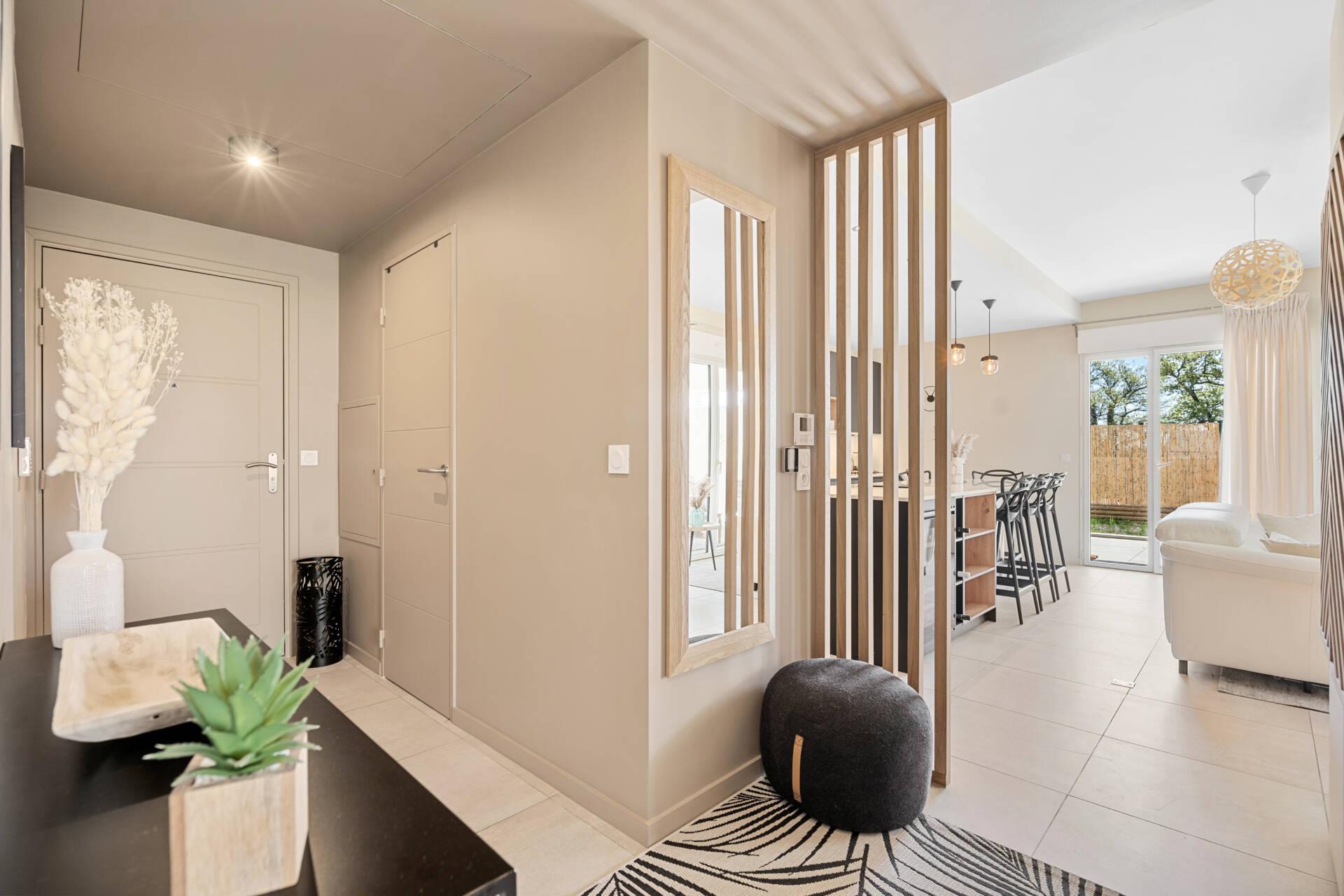 Décoration et agencement Appartement neuf Aix en Provence - Entrée avec claustra, par Myll décors , Agence de décoration à Aix en Provence et dans le Var