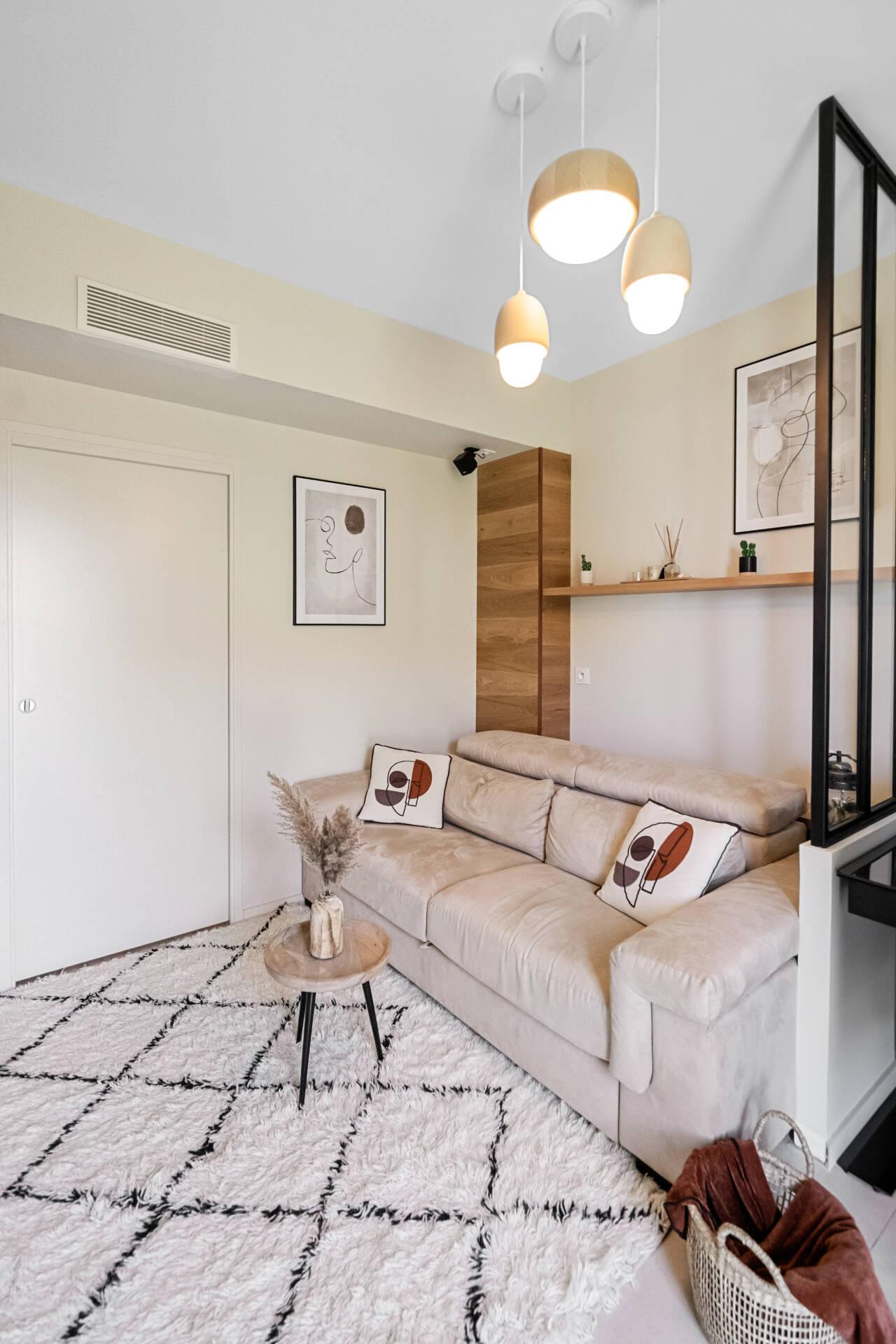 Décoration et agencement Appartement neuf Aix en Provence - Salon avec tapis berbère et verrière, par Myll décors , Agence de décoration à Aix en Provence et dans le Var