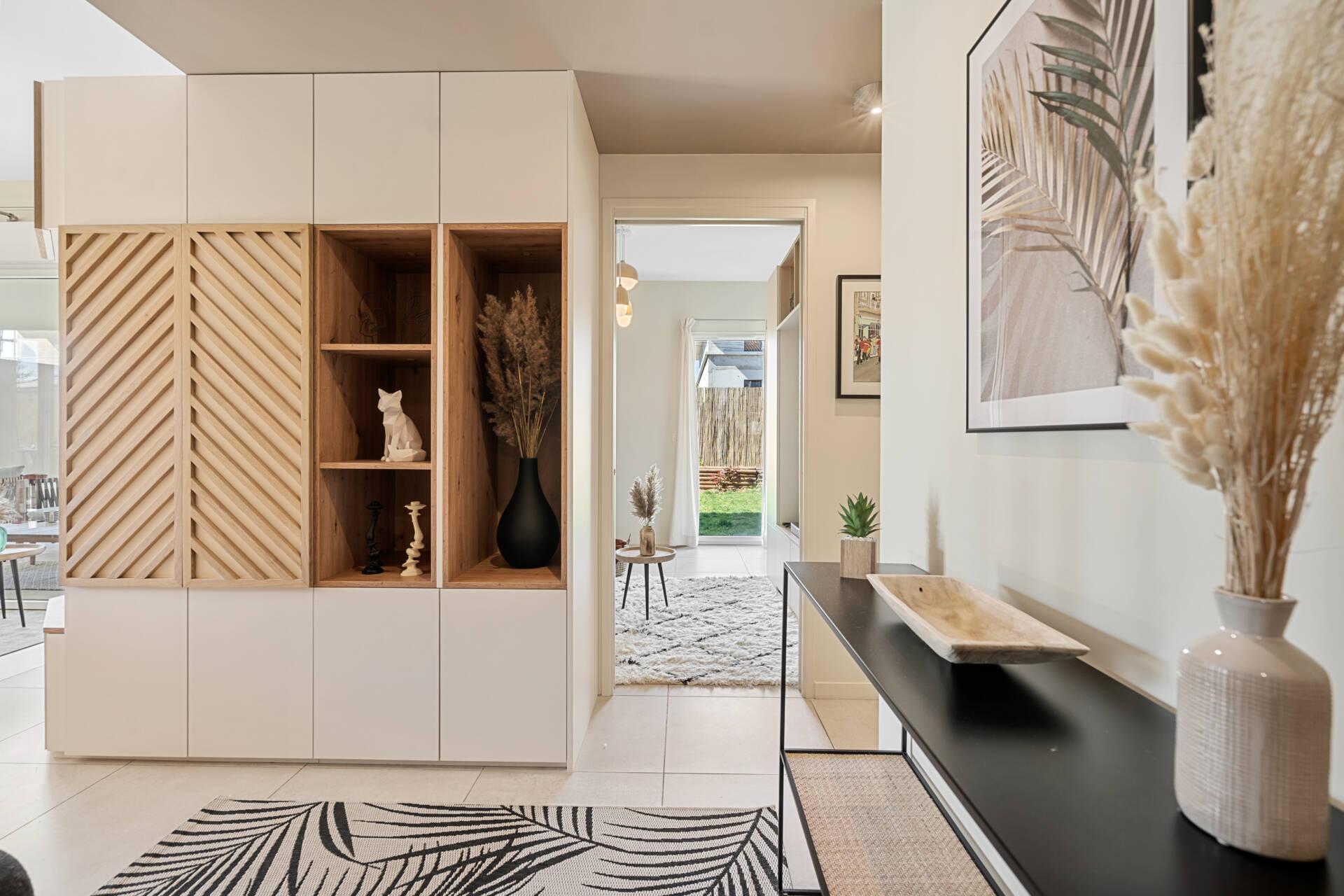 Décoration et agencement Appartement neuf Aix en Provence - entrée meuble sur mesure claustra, par Myll décors , Agence de décoration à Aix en Provence et dans le Var